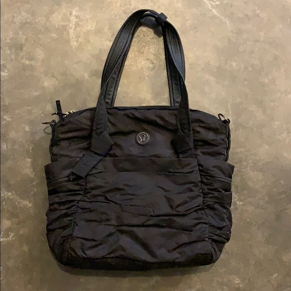 lululemon athletica Handbags - Lululemon Yoga bag